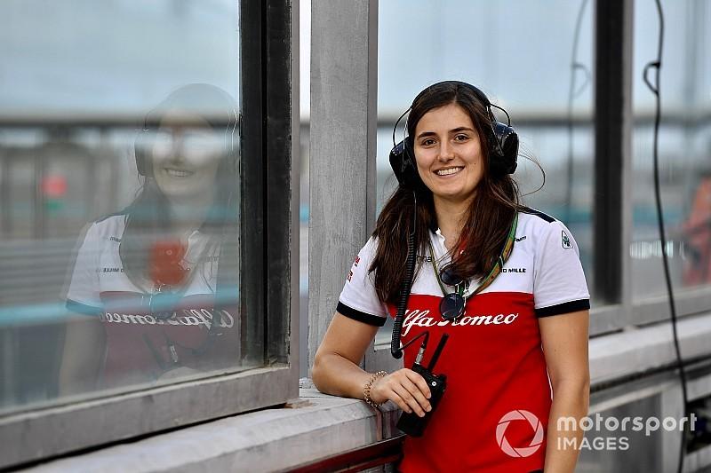 Alfa Romeo retains Calderon as test driver