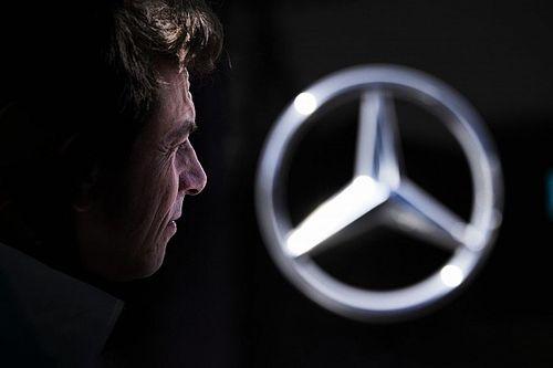 Russell biztosan Mercedes-motoros autót vezet 2022-ben is, Wolff már meghozta a döntését