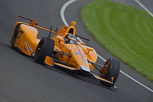 Alonso, à 365 km/h en virage: