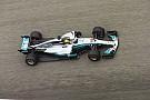 Fórmula 1 Com Vettel na cola, Hamilton domina TL3; Massa é 6º