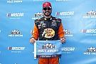 NASCAR Sprint Cup Martin Truex Jr. toma la pole en Fontana; Suárez hasta el 30