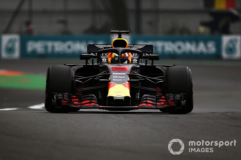 Ricciardo commits to final F1 races with Red Bull