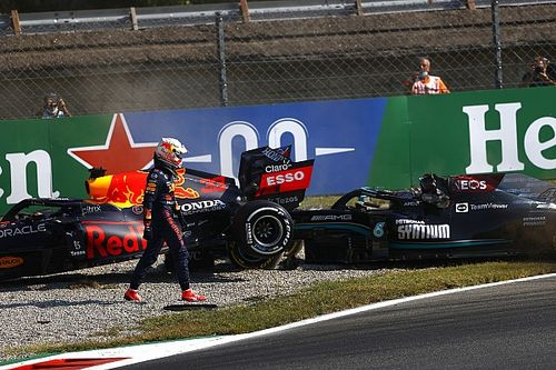 Hamilton: Pressure of first title chance could be impacting Verstappen