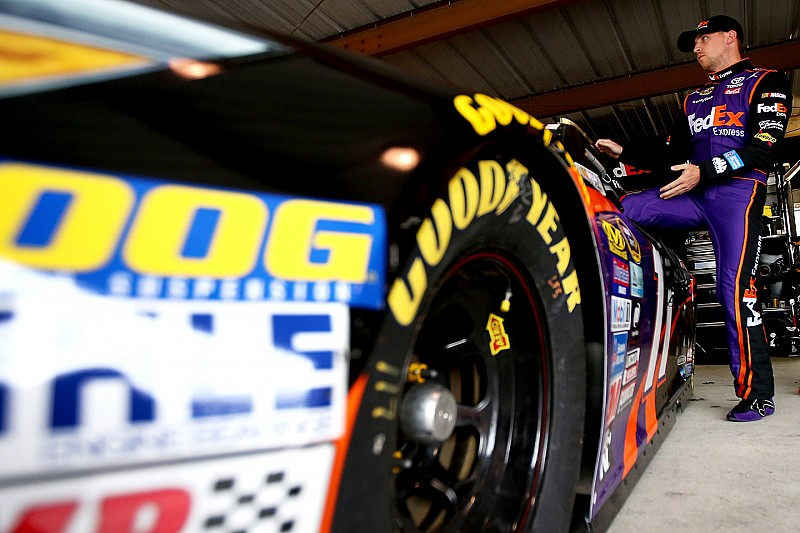 """Hamlin crashes, apologizes for """"embarrassing"""" mistake"""