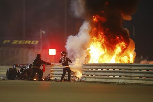 "Grosjean ""lucky by being unlucky"" in horror Bahrain GP crash"