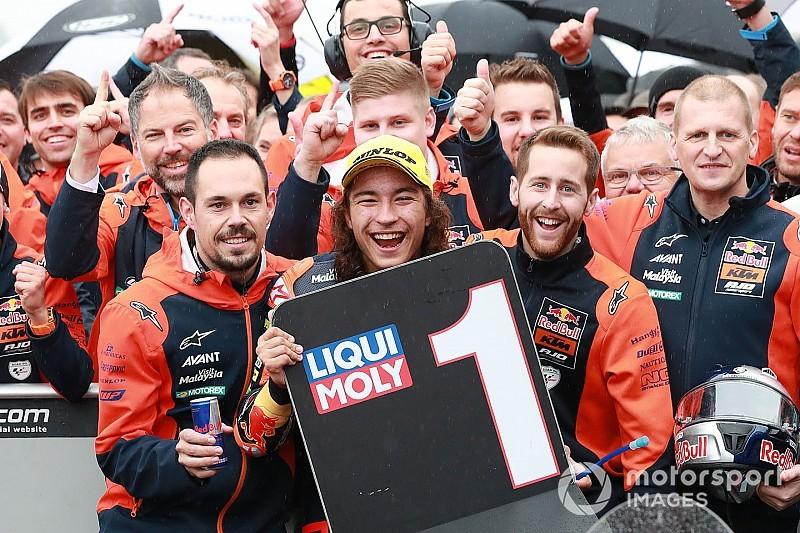 Moto3 Valencia: Can Öncü gelingt beim WM-Debüt Sensationssieg