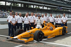 IndyCar Últimas notícias Brown: Ron Dennis aprova entrada da McLaren na Indy 500