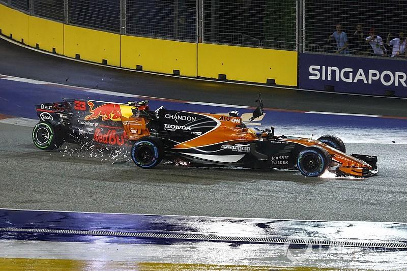 McLaren: Egy sima, egy fordított Szingapúrban