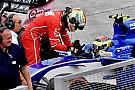 Grosjean nézetéből, ahogy Vettel és Stroll összeütközik egymással