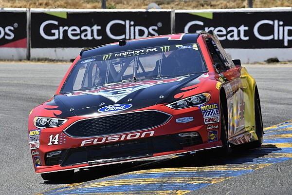 Bowyer finishes second despite