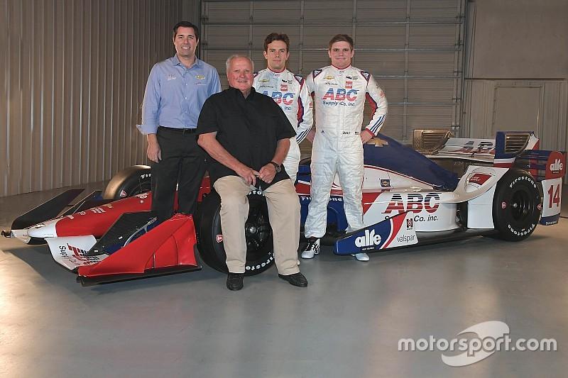 Команда AJ Foyt Racing підтвердила перехід до двигунів Chevrolet