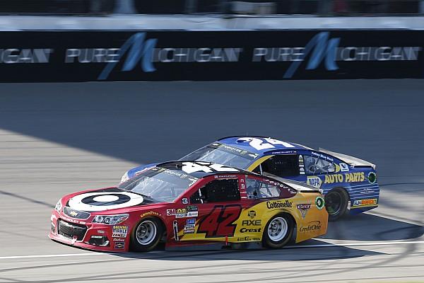 NASCAR Cup Rennbericht NASCAR Michigan: Kyle Larson hält Chase Elliott auf Distanz