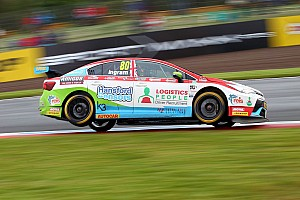 BTCC Race report Knockhill BTCC: Ingram survives two restarts to win Race 3