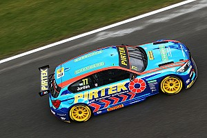 BTCC Race report Brands Hatch BTCC: Jordan fights off Turkington to head BMW 1-2
