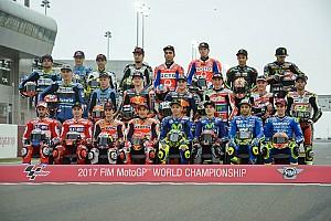 MotoGP Noticias de última hora La parrilla de MotoGP posa al completo para la foto oficial