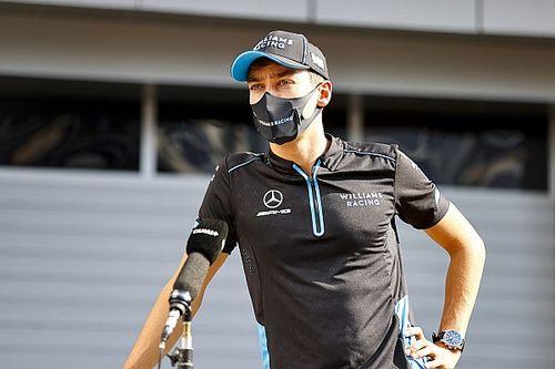 Hamilton elogia a Russell y lo compara con los inicios de Alonso