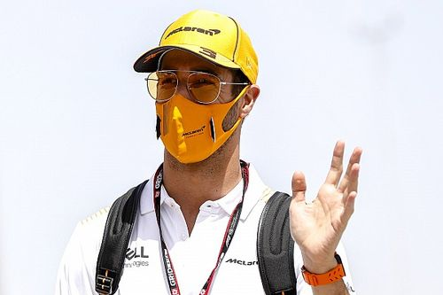 Ricciardo meglátogatja a saját sörfőzdéjét (videó)
