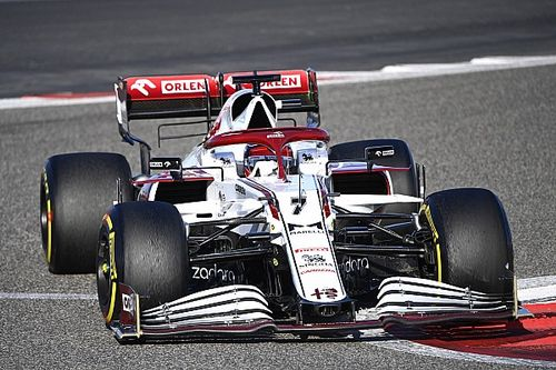 """Alfa Romeo """"most surprising team"""" in F1 testing - Russell"""