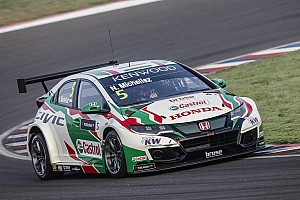WTCC Race report Argentina WTCC: Michelisz wins after Catsburg's repeat puncture