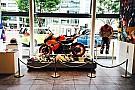 ニッキー・ヘイデン追悼展示 Hondaウエルカムプラザで開催中