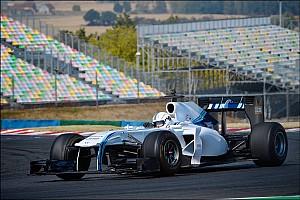 لاعبو الهواتف الذكية يقدمون أداء مذهلًا في اختبارٍ لسيارة فورمولا واحد حقيقية