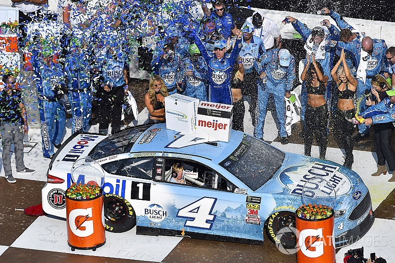 Kevin Harvick takes seventh win of 2018 season at Michigan