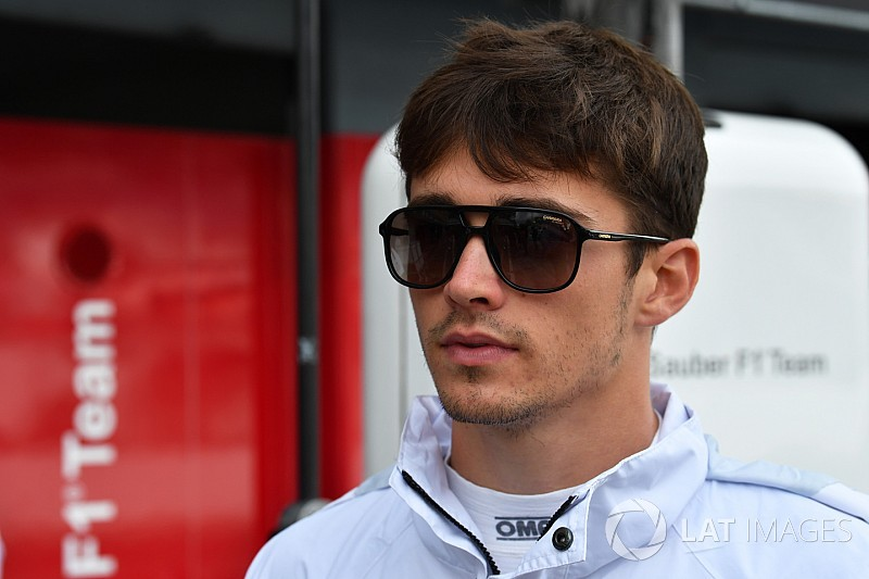 Ferrari herziet plannen: Leclerc mogelijk toch vervanger van Raikkonen