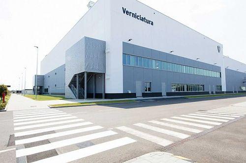Hogyan küzd a Lamborghini a szén-dioxid-kibocsátás ellen, hogy megmentse a V12-est