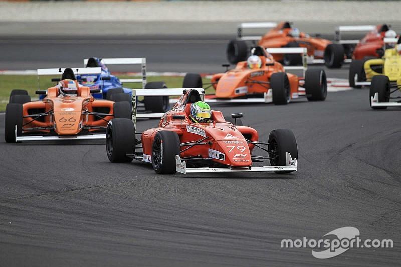 F4 SEA Sepang I: Frost dan Love juara di hari kedua, Martono rookie terbaik pada Race 3