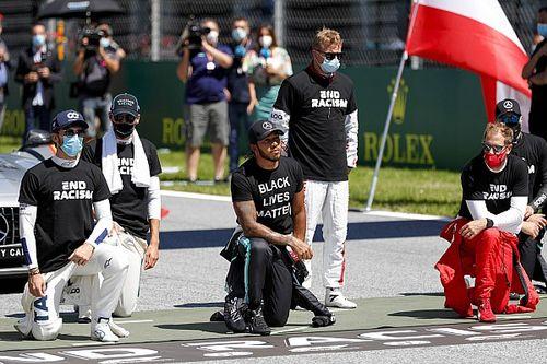 ハミルトン、片膝をつく行為を強要せずも、同意したドライバーに「感謝」