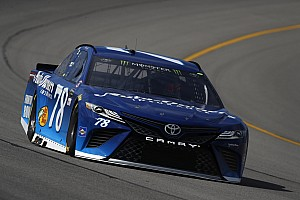 NASCAR Sprint Cup Crónica de Carrera Truex gana la primera etapa en Michigan