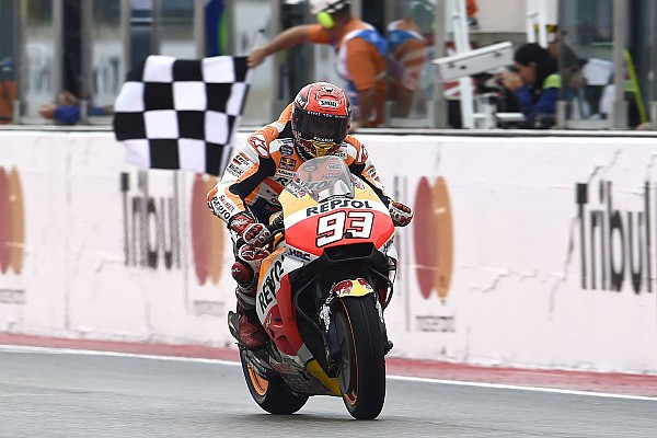 Маркес вырвал у Петруччи победу на последнем круге гонки в Мизано