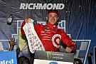 NASCAR Cup Larson fecha primeira fase da Cup com vitória em Richmond