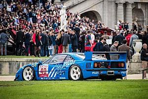 Vintage Artículo especial Bólidos de Ferrari brillan en exhibición en París