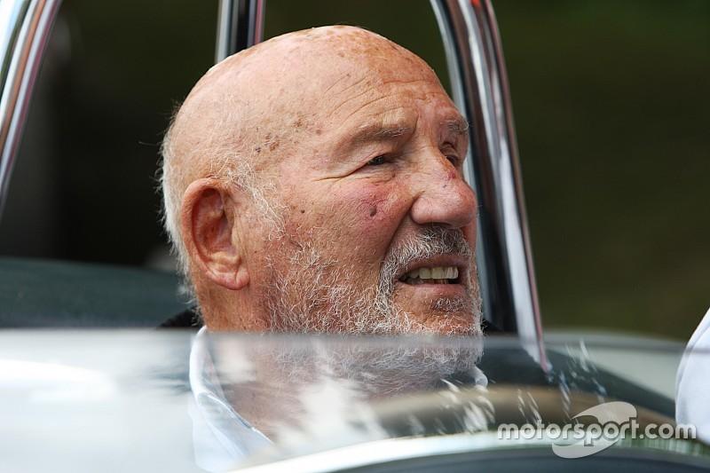 Легенда Ф1 Стірлінг Мосс оголосив про вихід на пенсію