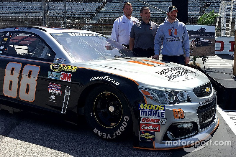 Dale Jr To Run His Quot Favorite Paint Scheme Of All Time Quot At