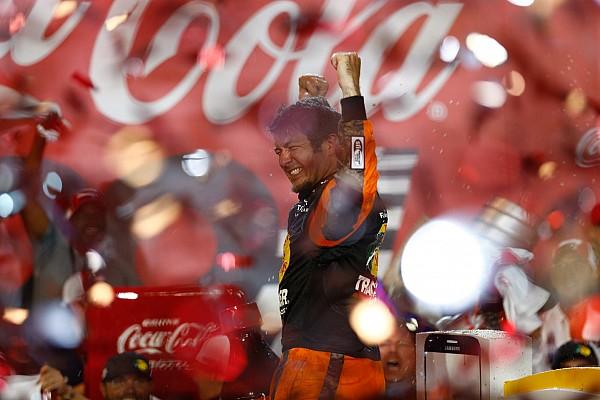 NASCAR Sprint Cup Más dominante que nunca, Truex Jr. vence en Charlotte