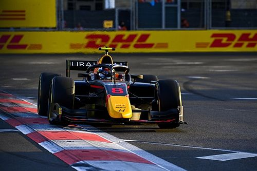Baku F2: Vips holds off Piastri for second straight win