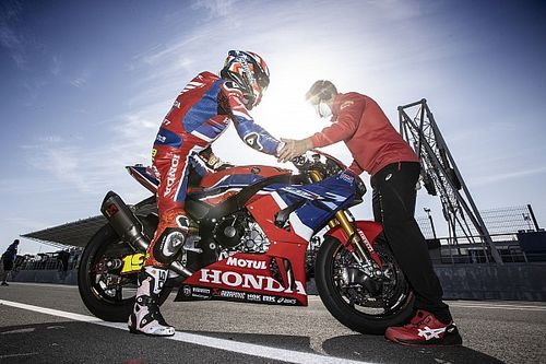 """Honda WSBK's challenger losing time """"in all areas"""""""