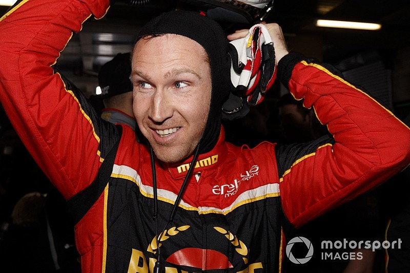 Reynolds, Walkinshaw honoured at Supercars prize giving