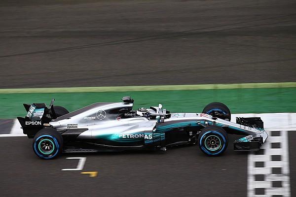 Formule 1 Nieuws Mercedes test radicale T-vleugel, denkt nog na over haaienvin