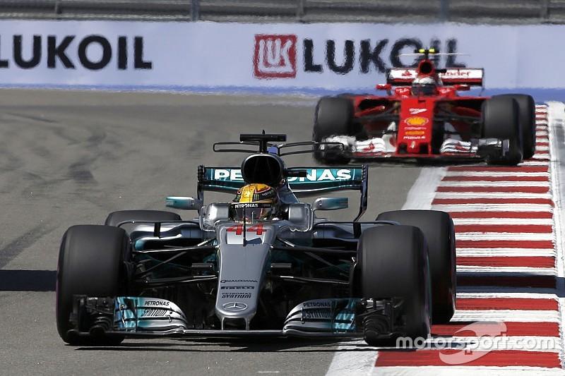 Hamilton nantikan pertarungan sulit melawan Ferrari