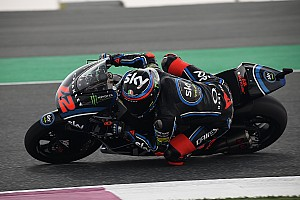 Bagnaia se estrena en Moto2 tras un problema en el freno de Márquez