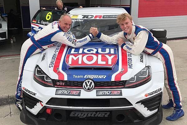 TCR Middle East Luca Engstler gewinnt bei Debüt im TCR-Tourenwagen