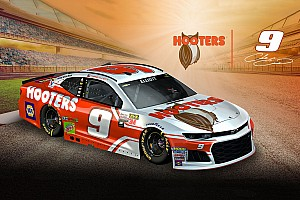 NASCAR Cup Breaking news Hooters unveils Chase Elliott's 2018 NASCAR Cup livery
