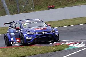 TCR Jelentés a versenyről Óriási roncsderbi a második oscherslebeni TCR-futamon, mindkét M1RA kiesett