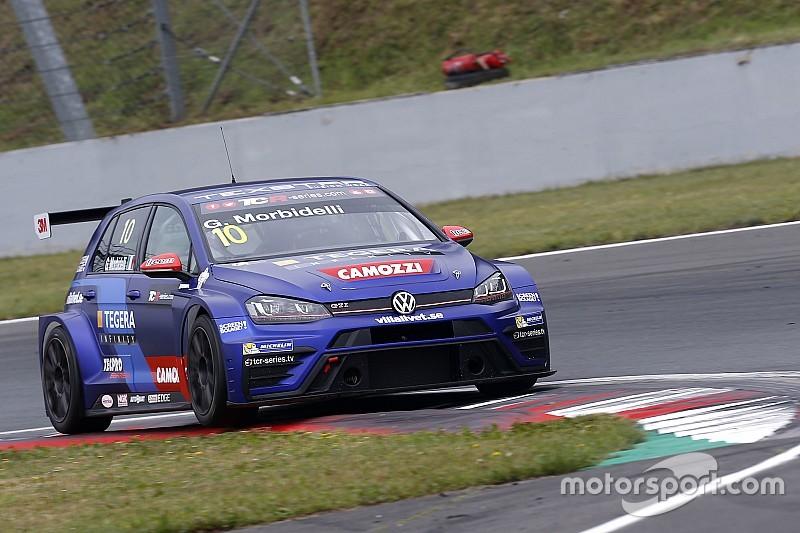 Морбиделли одержал две победы на этапе TCR