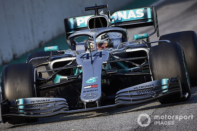 Mercedes: Switching front wing concepts would take months