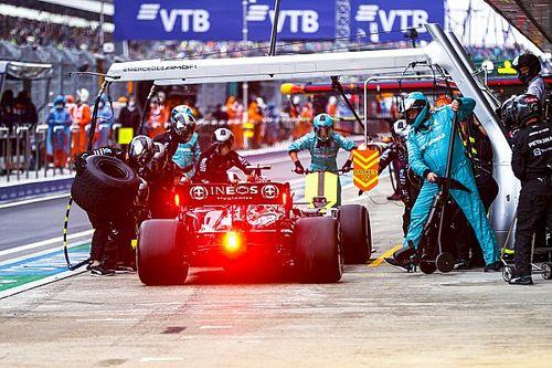 A Mercedes a futamgyőzelmet is eldobta volna, hogy Verstappen előtt végezzenek