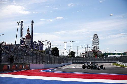 Bottas deelt de lakens uit in eerste training Sochi, Verstappen P3